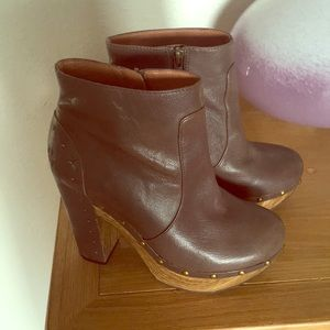 Lucky Brand wood heel ankle boot!